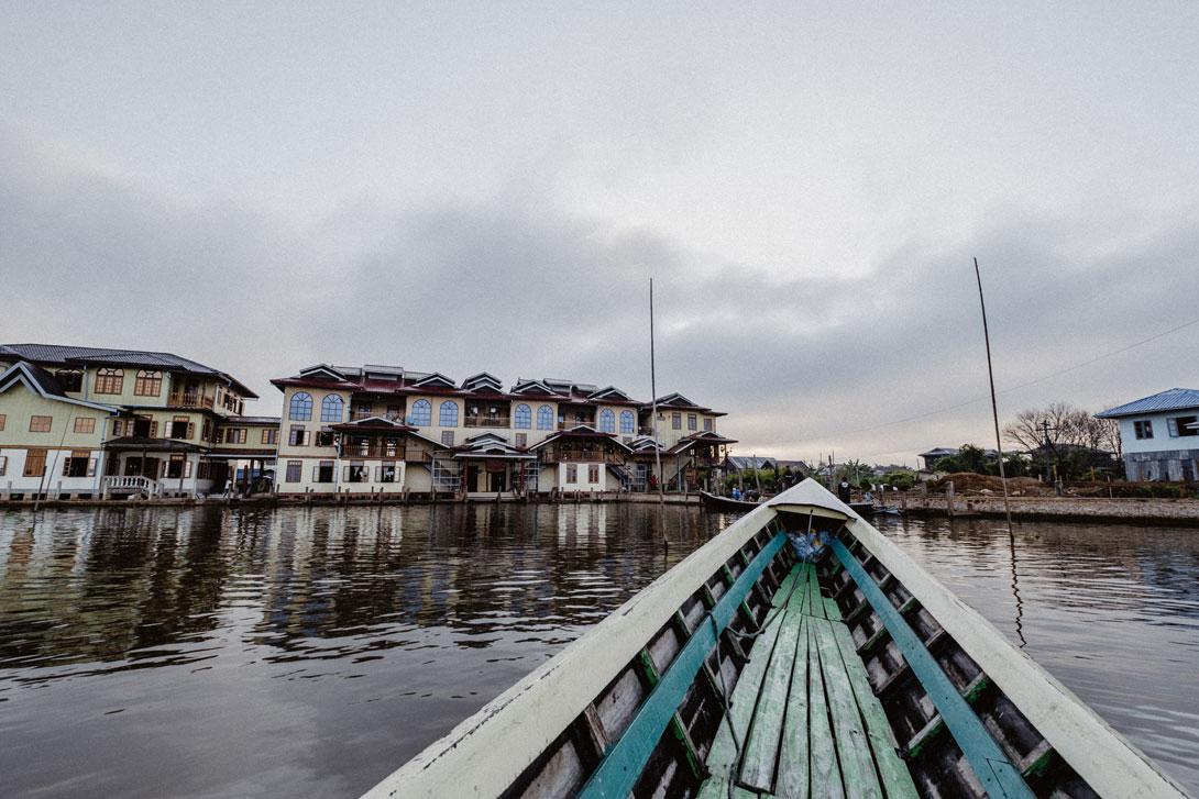 Po jezeře Inle Lake se bude přepravovat lodí