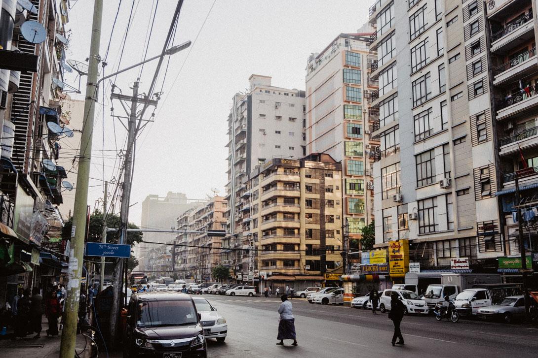 Vychutnejte si atmosféru ranního Rangúnu
