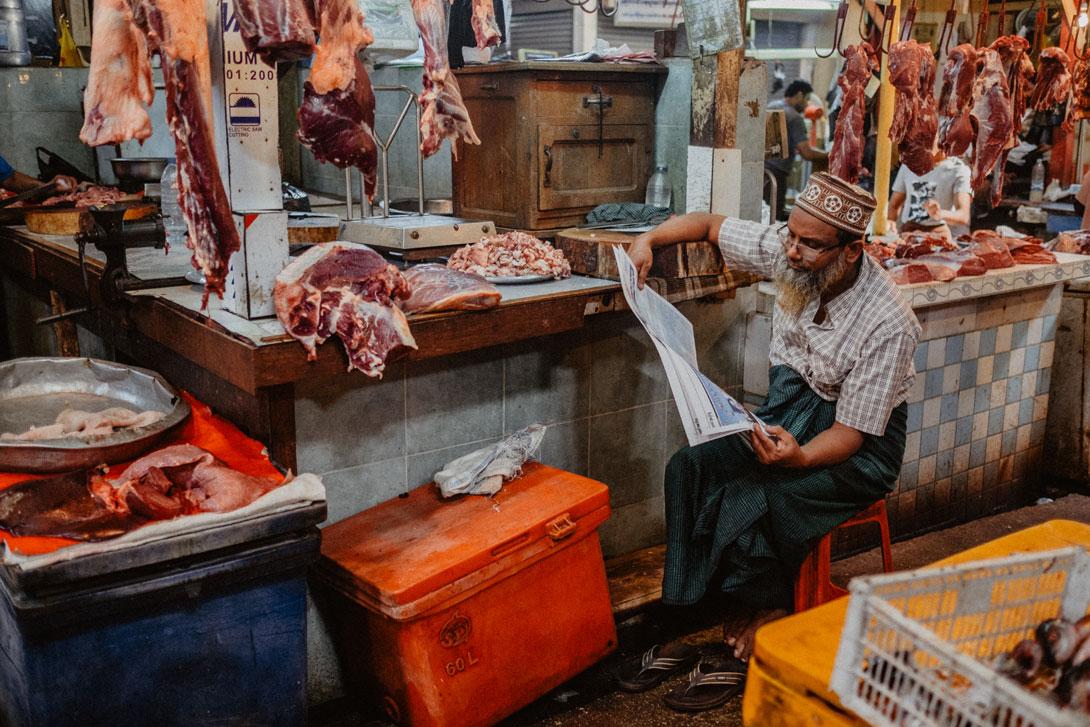 Řezník na Theingyi Marketu