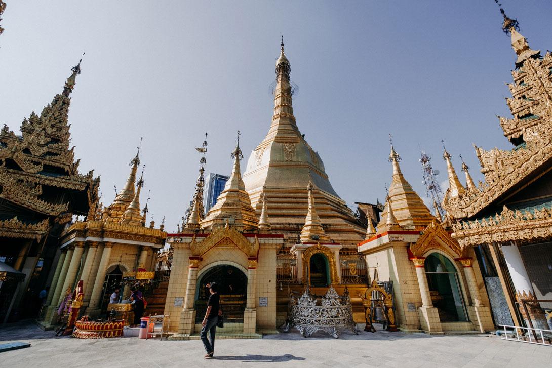 Sule Pagoda je úžasné místo s dokonalou atmosférou