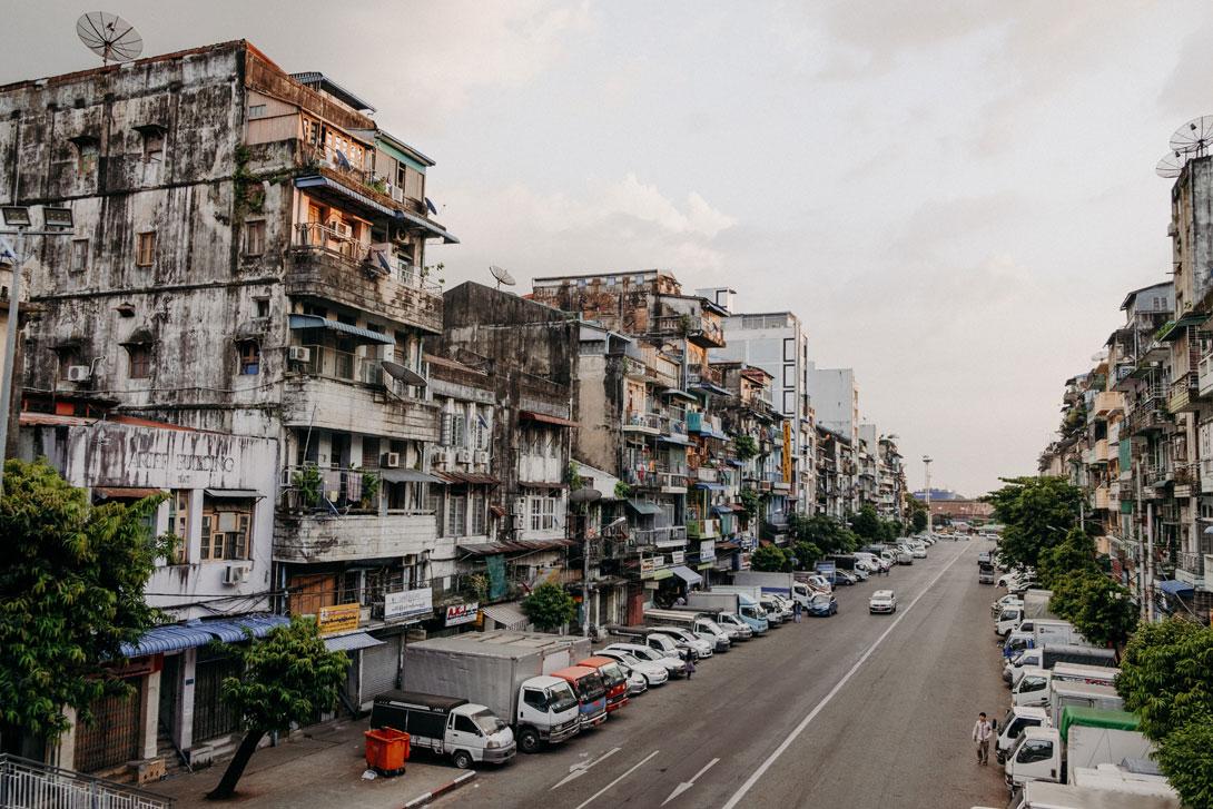 Typická ulice v Rangúnu