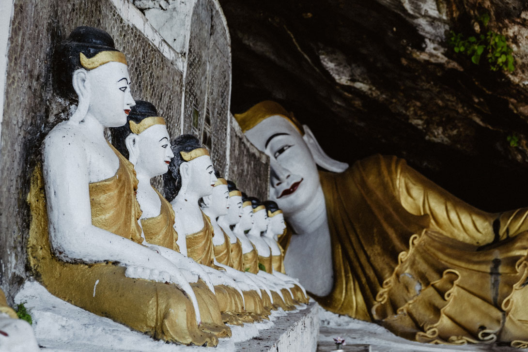 Buddhové v jeskyni Yat Hae Pyan Cave