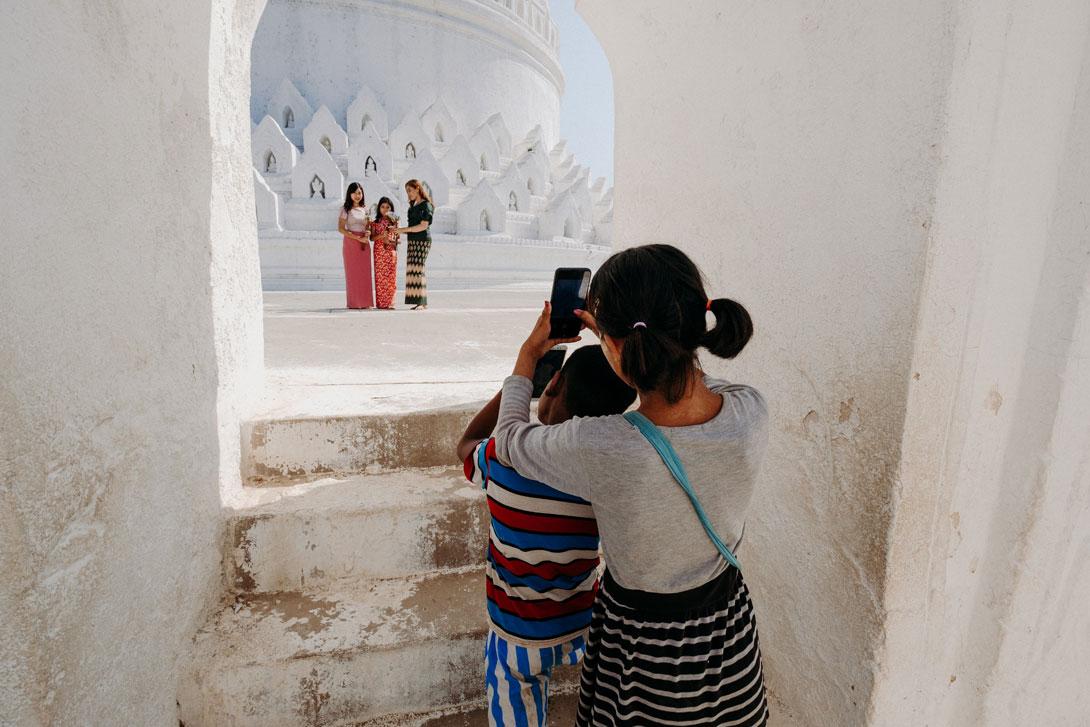 Nechte se vyfotit od místních dětí