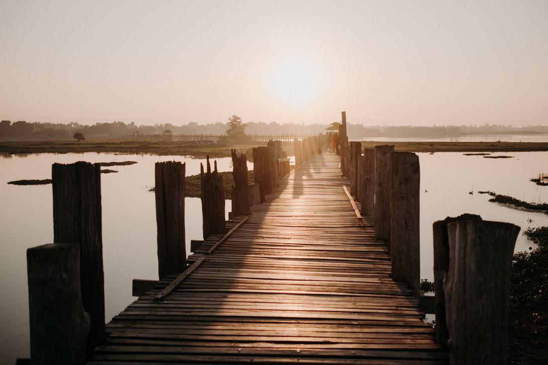 Slunce nad mostem U Bein