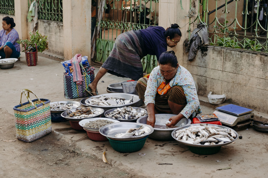 Navštivte tržnici ve Starém Baganu