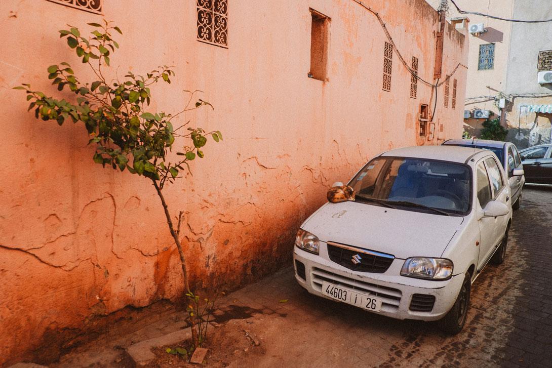 Uličky v Marrakeši mají svoje kouzlo